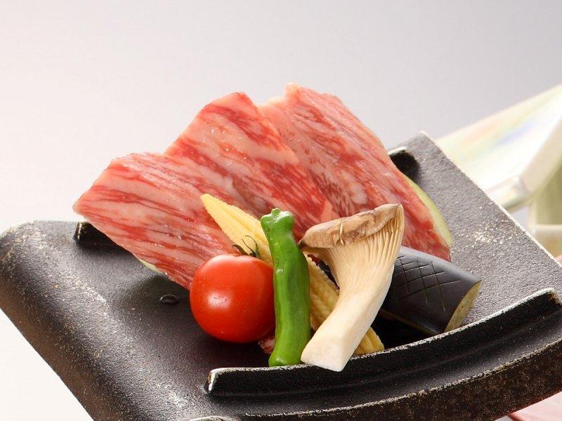 【トクトク】ボリュームあり!一人鍋と、天ぷらやお造りなど!『十一品のお手軽会席』