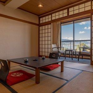 琵琶湖一望!和室8-10畳